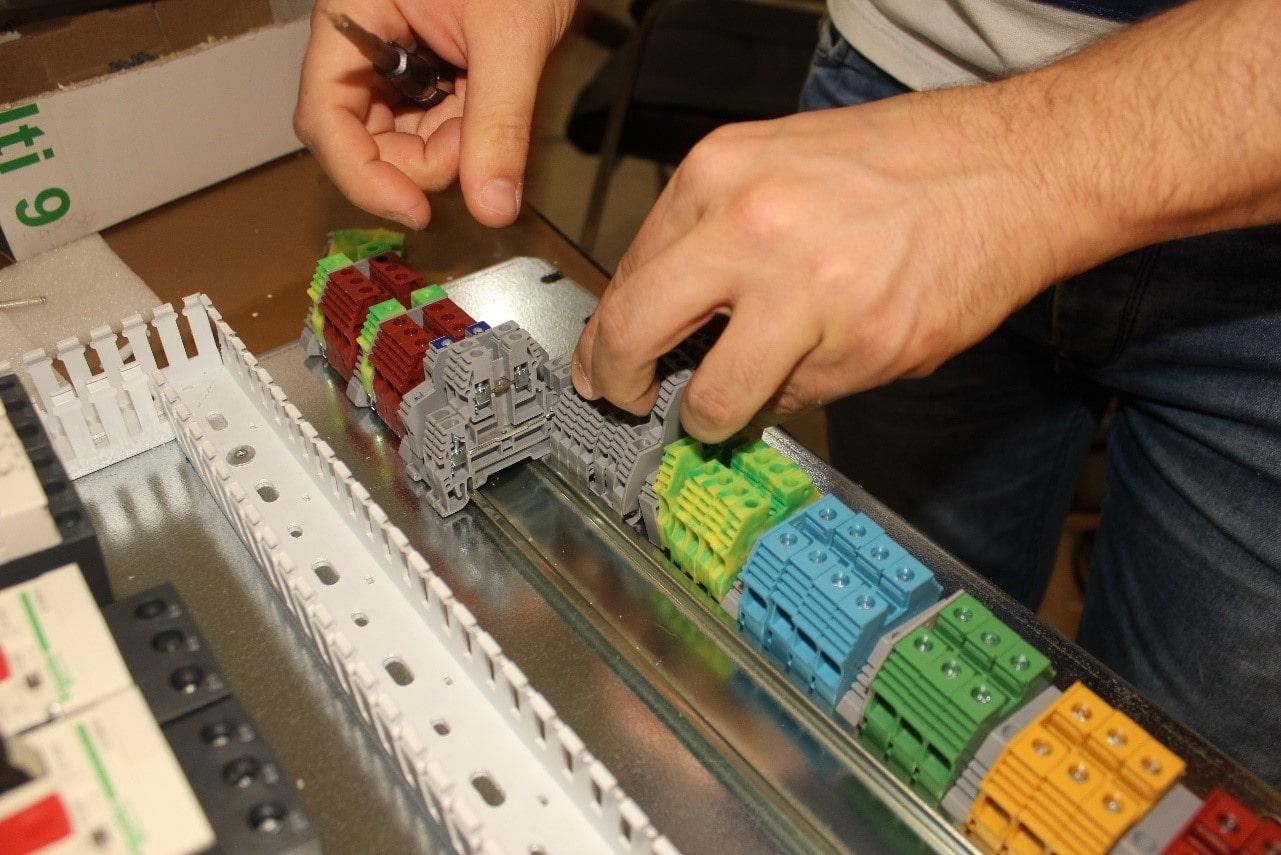 قطعات ترمینال تابلو برق