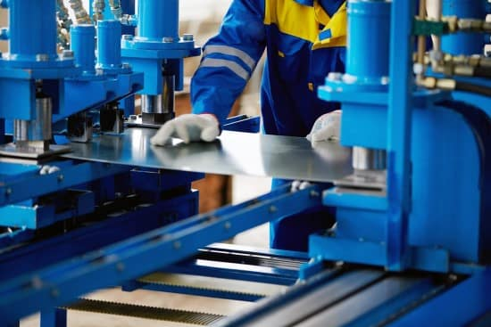 نیروی کار در صنایع فلزی