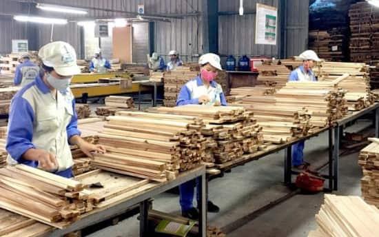 تولید محصولات چوبی